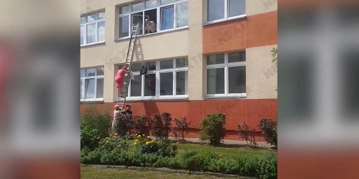 На одній з виборчих дільниць в Білорусі щось пішло не так / Скріншот