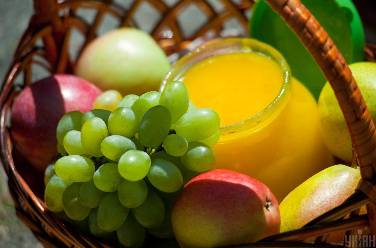 Що святити на Яблучний спас / фото УНІАН