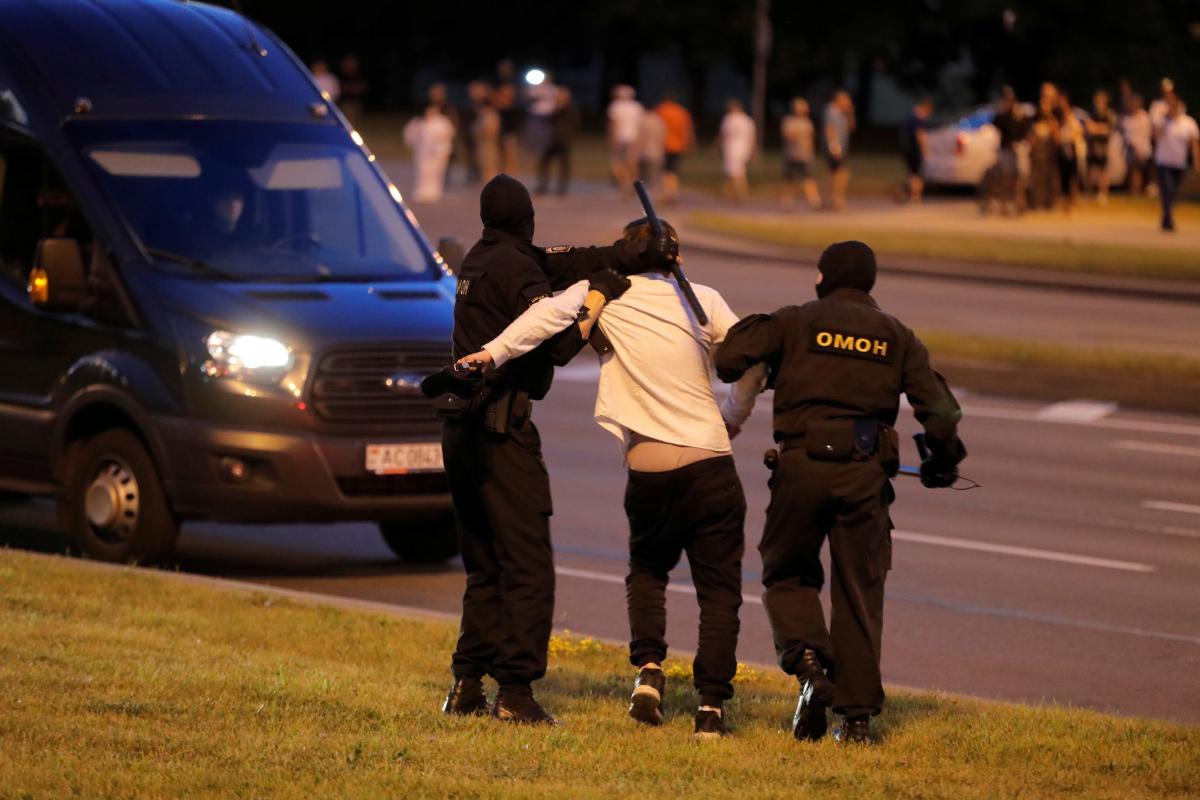 Протесты в Минске вспыхнули вечером 9 августа / фото REUTERS