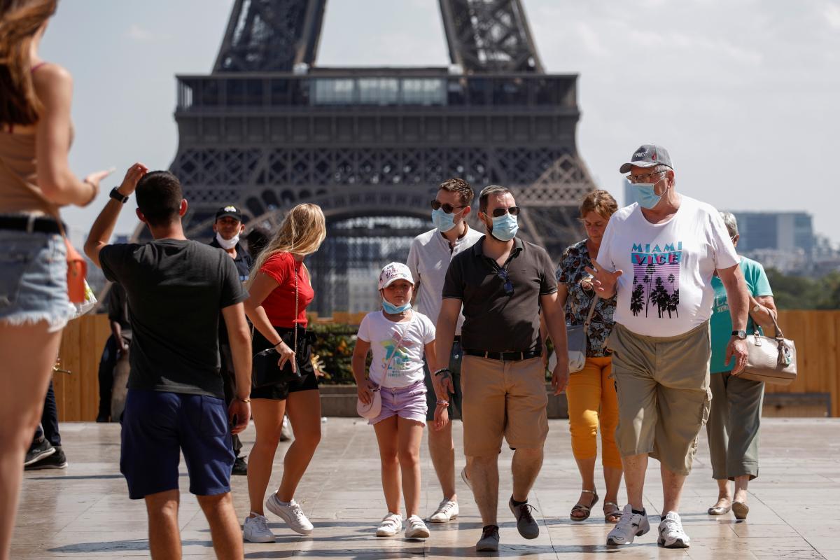 """Существует несколько советов, которые позволят """"нормально"""" жить в эру коронавируса / REUTERS"""