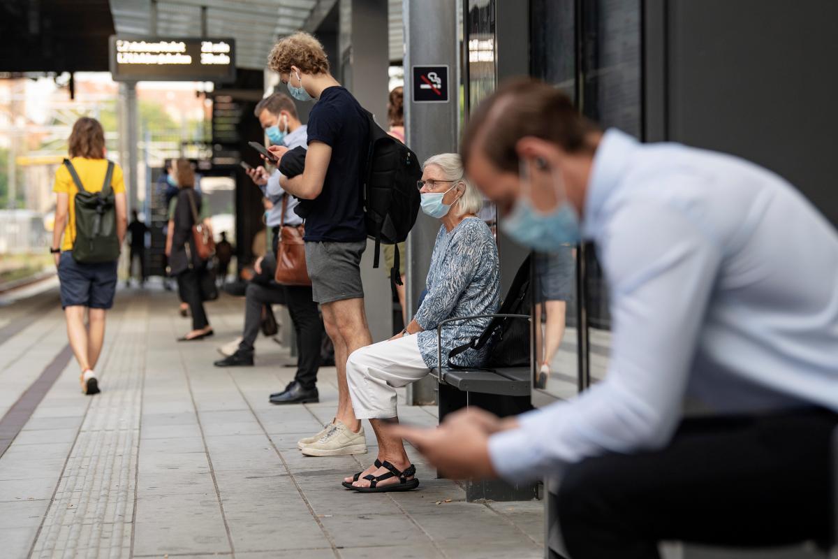 Пандемія демотивує людей бути чемними один з одним/ REUTERS