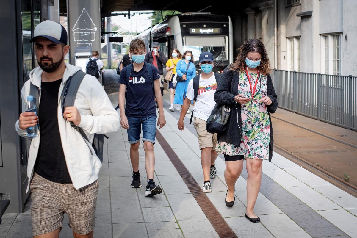 У Данії зроблять обов'язковим носіння масок у транспорті \ REUTERS