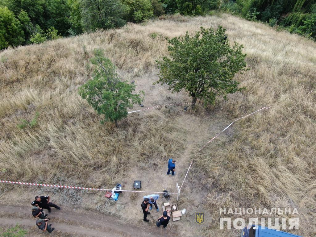 Тіло вбитої дівчинки знайшли біля водойми / фото Нацполіція