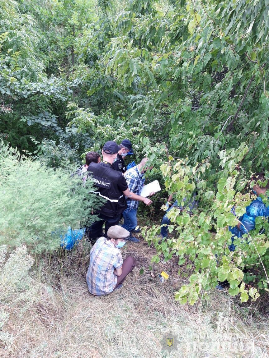 Підозрюваного хлопця затримали / фото Нацполіція