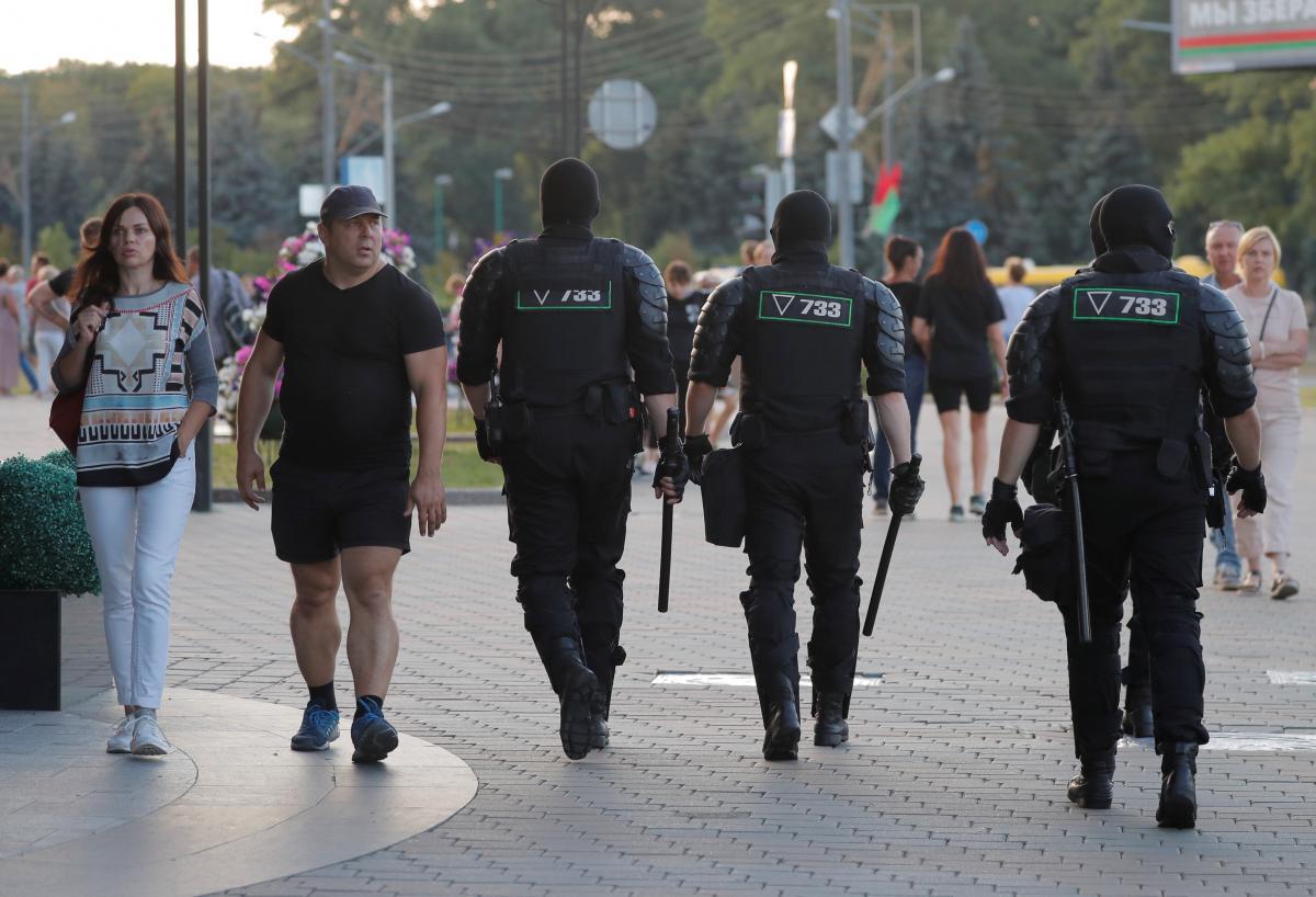 В Минске уже два дня проходят протесты против Лукашенко / REUTERS