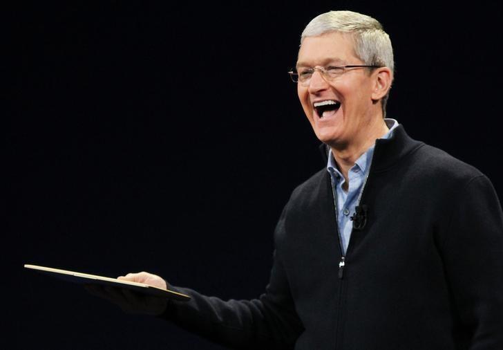 Гендиректор Apple Тім Кук / REUTERS