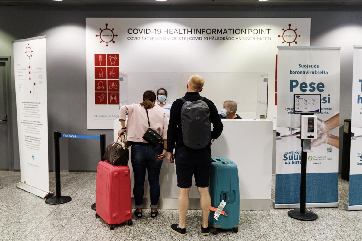Финляндия будет тестировать путешественников на коронавирус / фото REUTERS