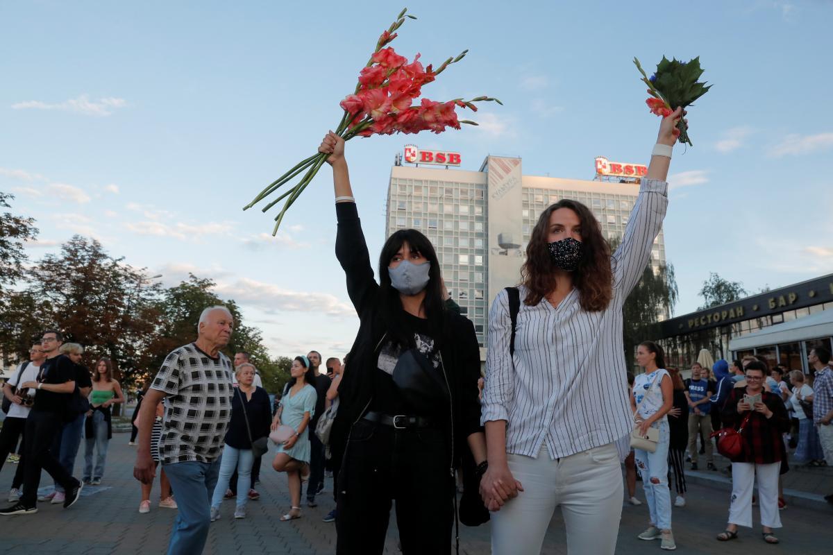 Протесты в Беларуси продолжаются уже несколько дней / REUTERS