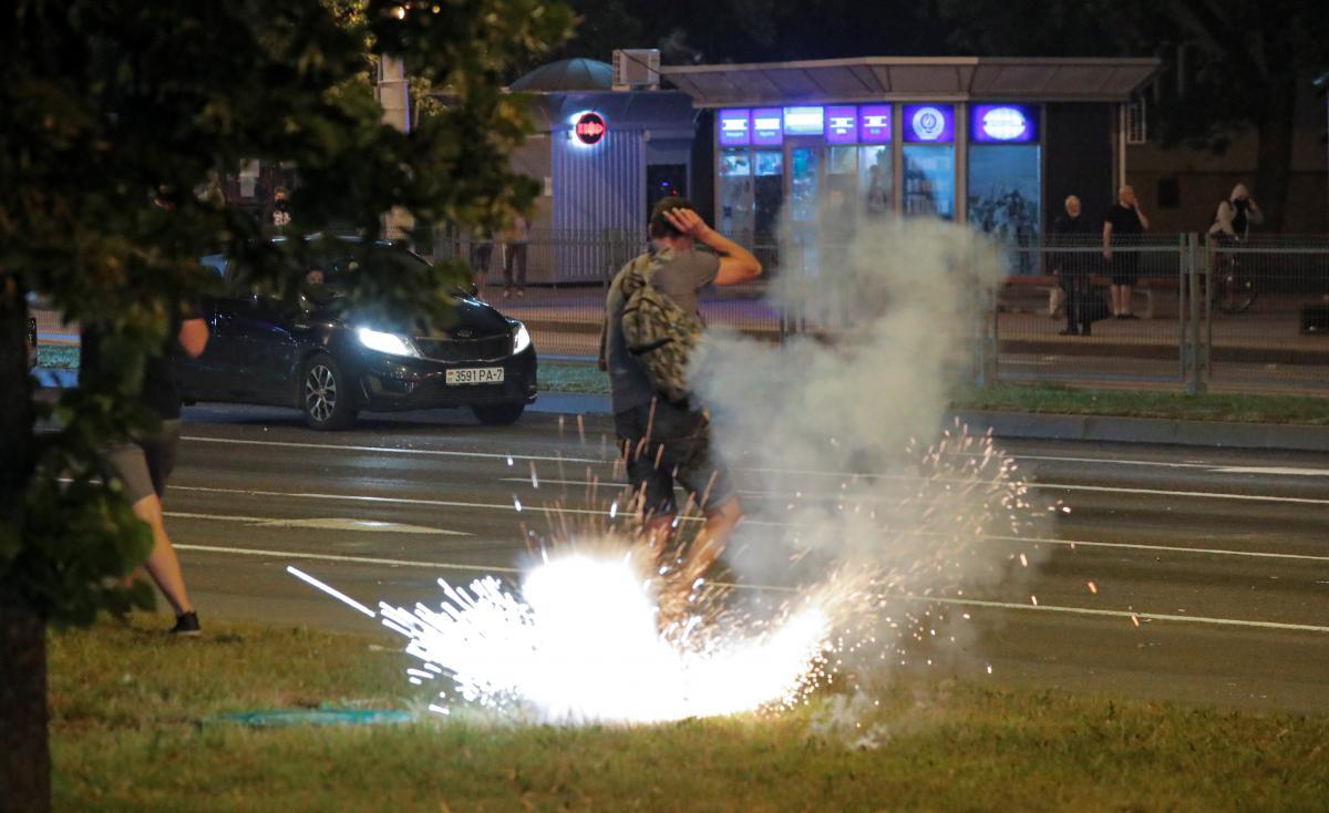 Протесты в Минске длятся ужетри дня / REUTERS