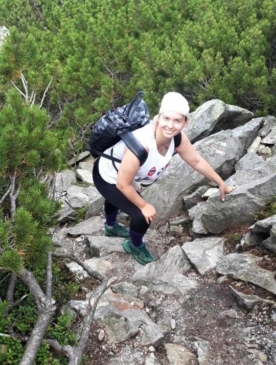 Порой подниматься на вершину Хомяка приходилось на четвереньках / фото Марина Григоренко