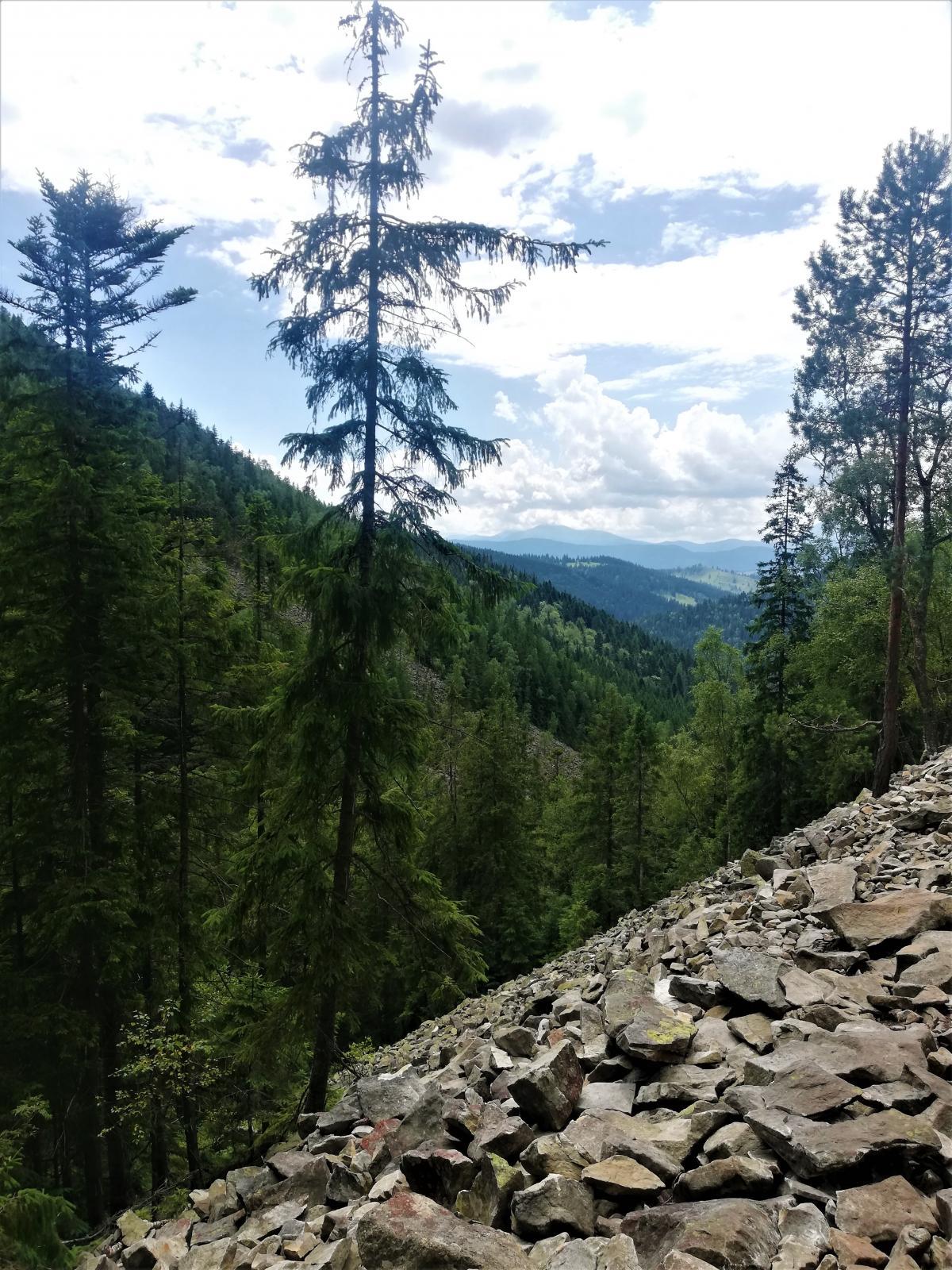 Каменепади - звична справа на Хом'яку / фото Марина Григоренко
