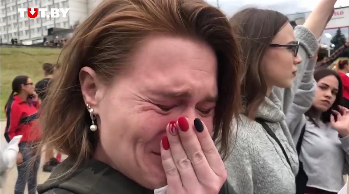 26-річна Аліна вперше вийшла на протести / скріншот з відео