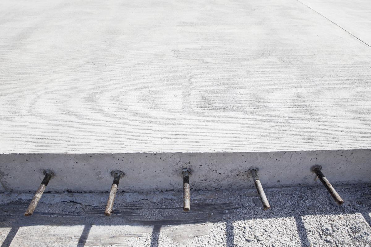 При будівництві цементобетонних доріг використовуються в основному українські матеріали / фото ua.depositphotos.com