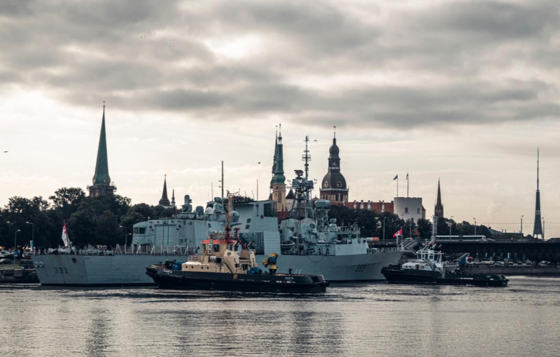 До Латвії прибули кораблі НАТО \ @Latvijas_armija