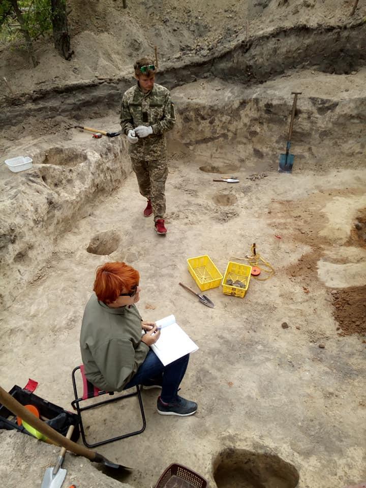 На Черниговщине раскопали печь Х в. / Фото facebook.com/allisscorp