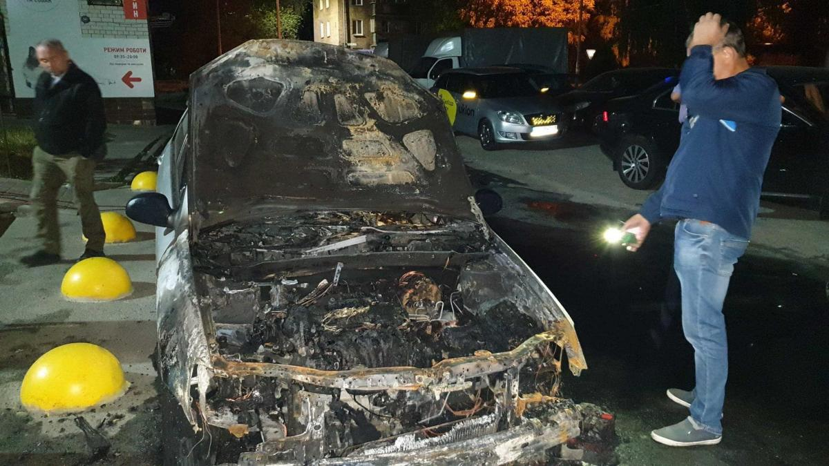 Передняя часть выгорела дотла / фото facebook.com/mixailotkach