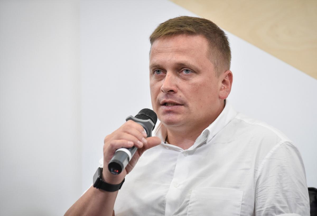 В Минск Реуцкий поехал для того, чтобі показать украинцареальную картину происходящего/ фото Константин Реуцкий/Facebook