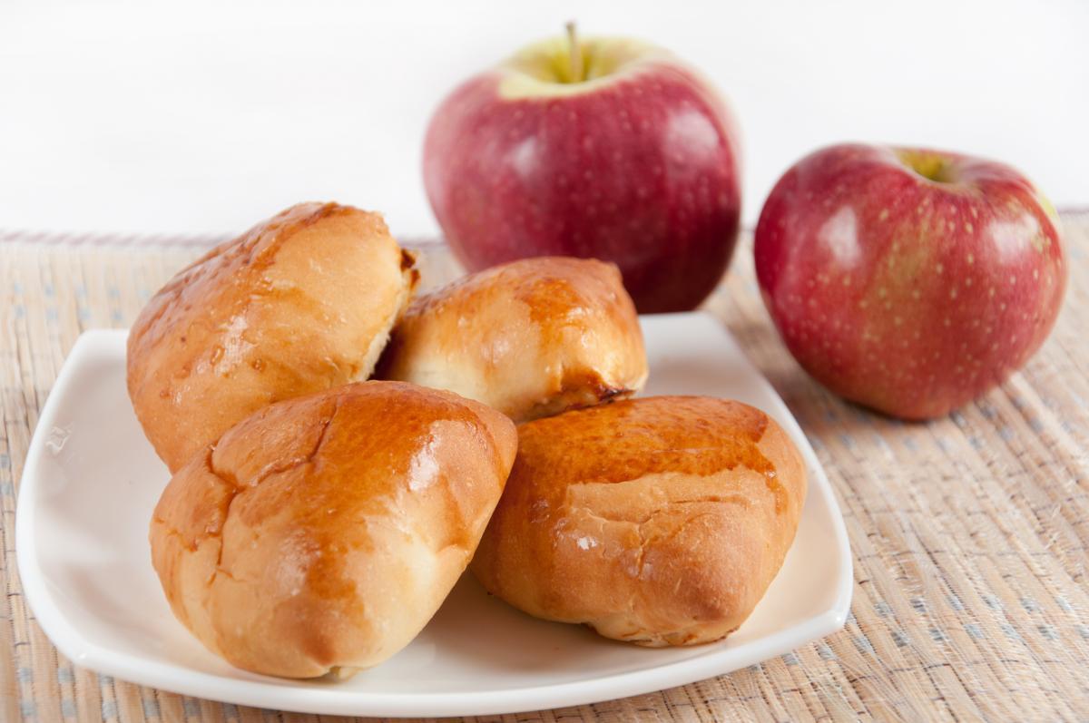 Рецепт пирожков с яблоками / фото ua.depositphotos.com
