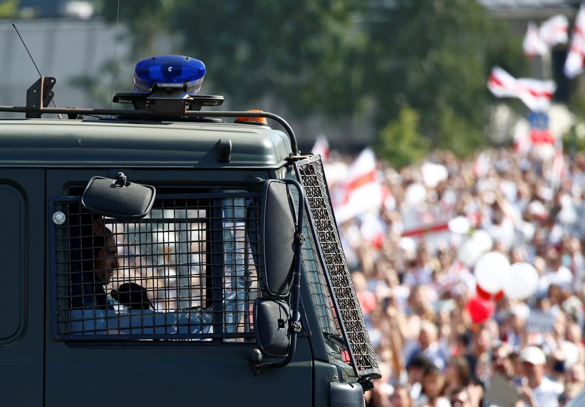 Участникам протестов в Беларуси пригрозили армией / фото REUTERS