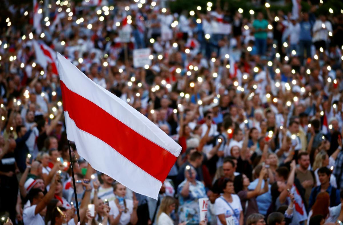 Протесты в Беларуси вспыхнули с новой силой 9 августа - участники акций требуют переизбрания президента / REUTERS