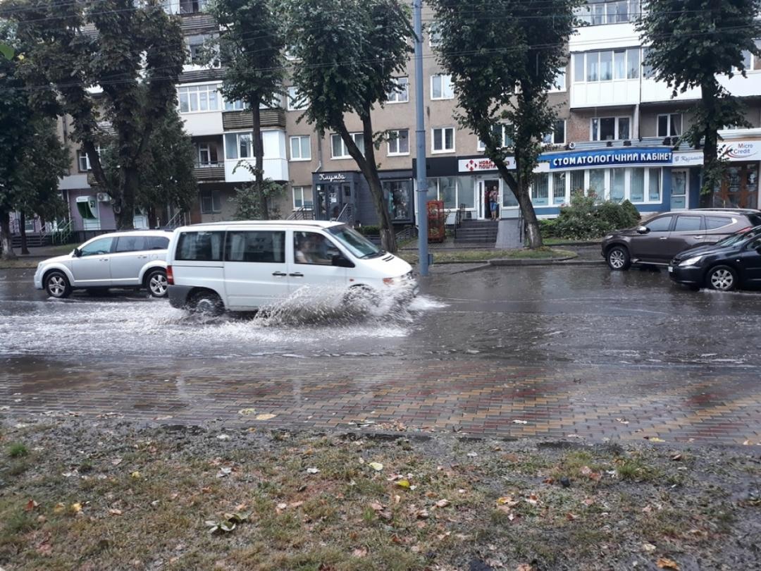 Мощный ливень затопил Луцк / volyn24.com