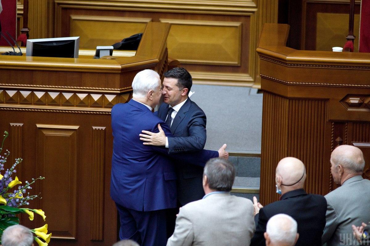 Зеленський задоволений роботою Кравчука на чолі української делегації у ТКГ / фото УНІАН