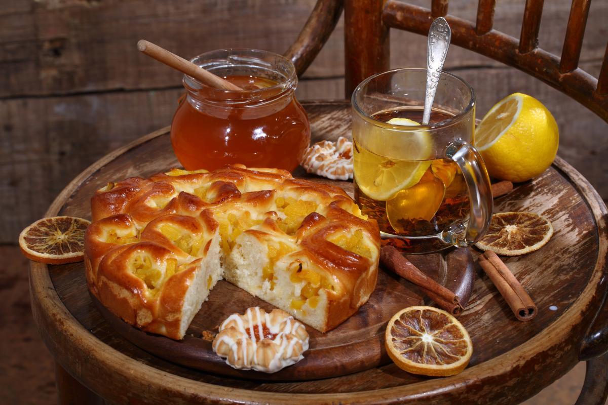 Рецепт пирога с персиками / фото ua.depositphotos.com