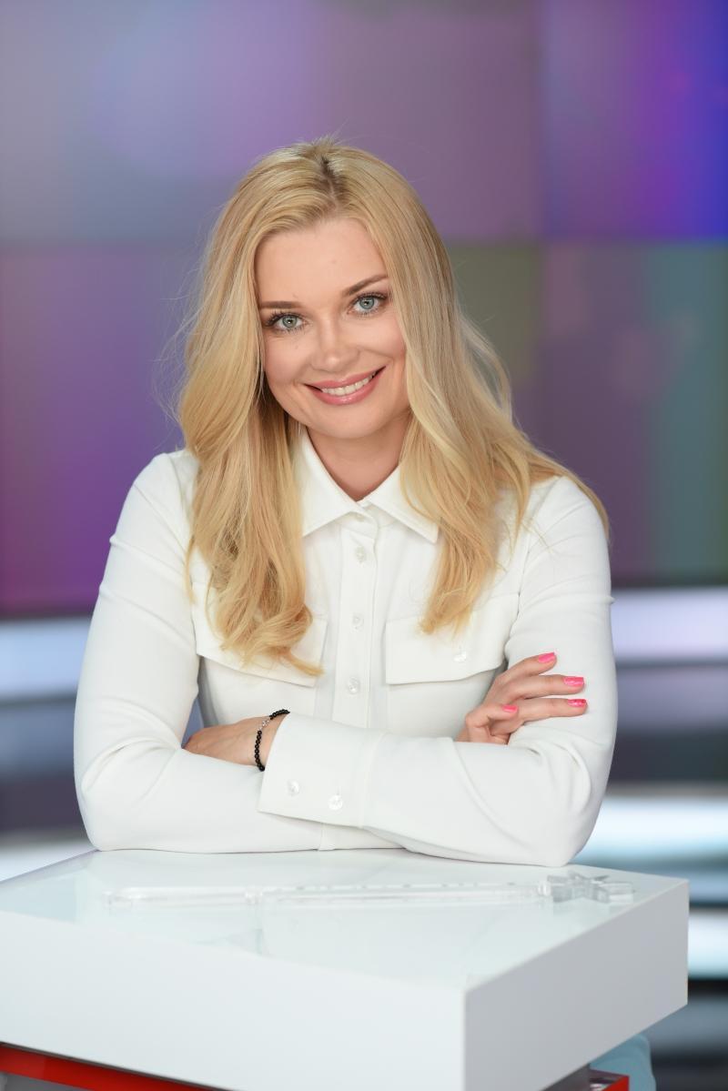Лидия Таран описала, что входит в обязанности ведущей ТСН во время подготовки к новостному эфиру / фото пресс-служба 1+1