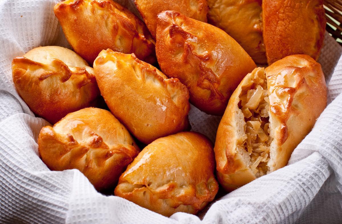Рецепт пирожков с капустой / фото ua.depositphotos.com