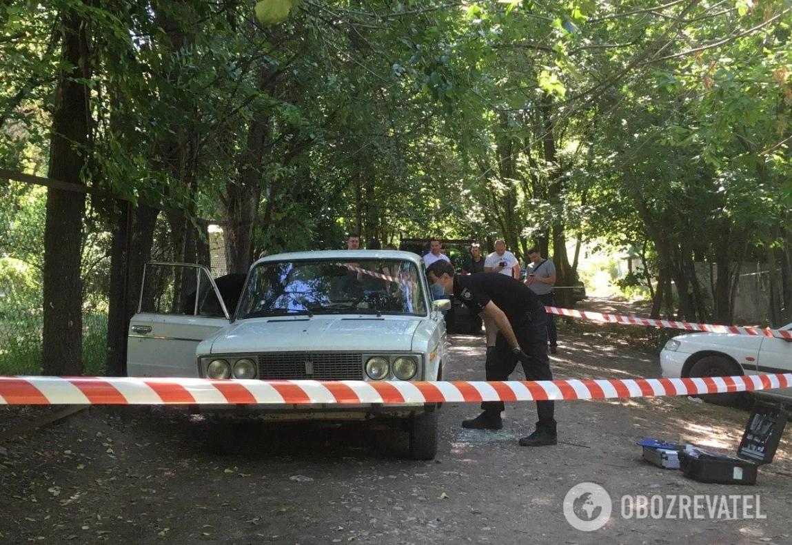 В момент взрыва мужчина был в авто сам / фото Обозреватель