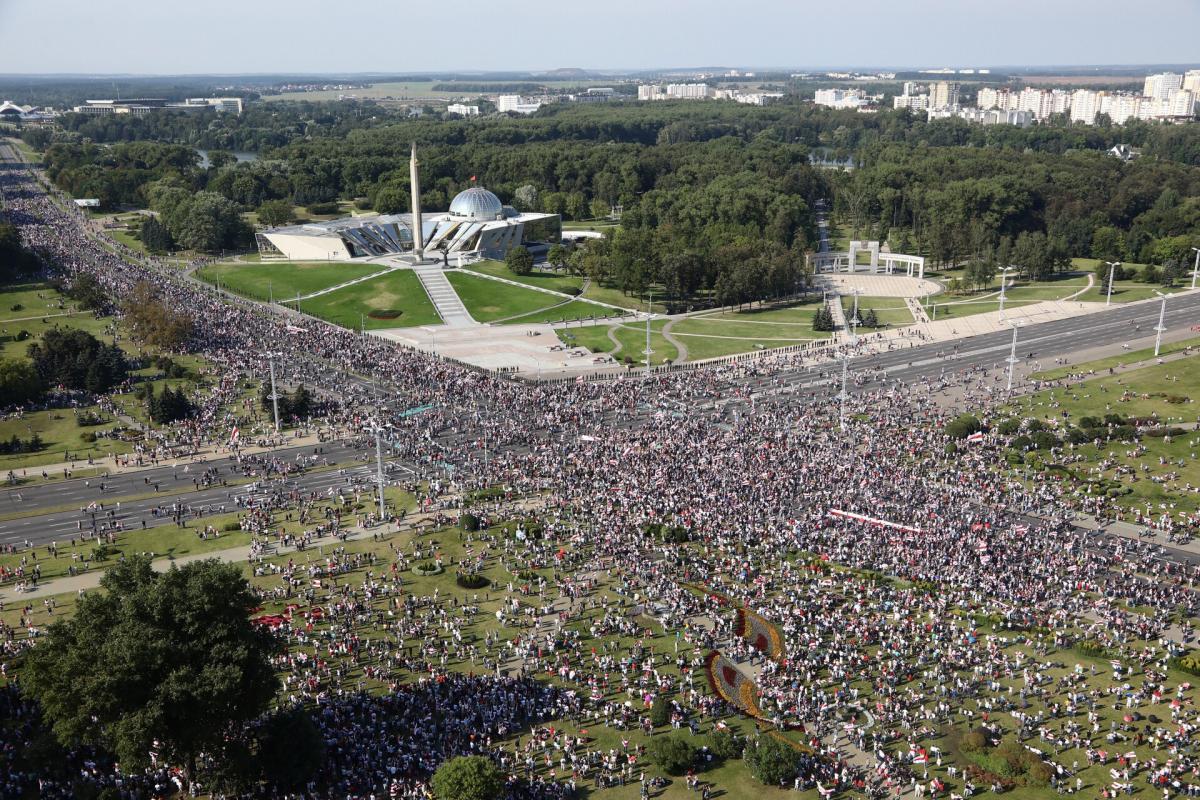 В Беларуси продолжаются протесты против режима Лукашенко / фото REUTERS