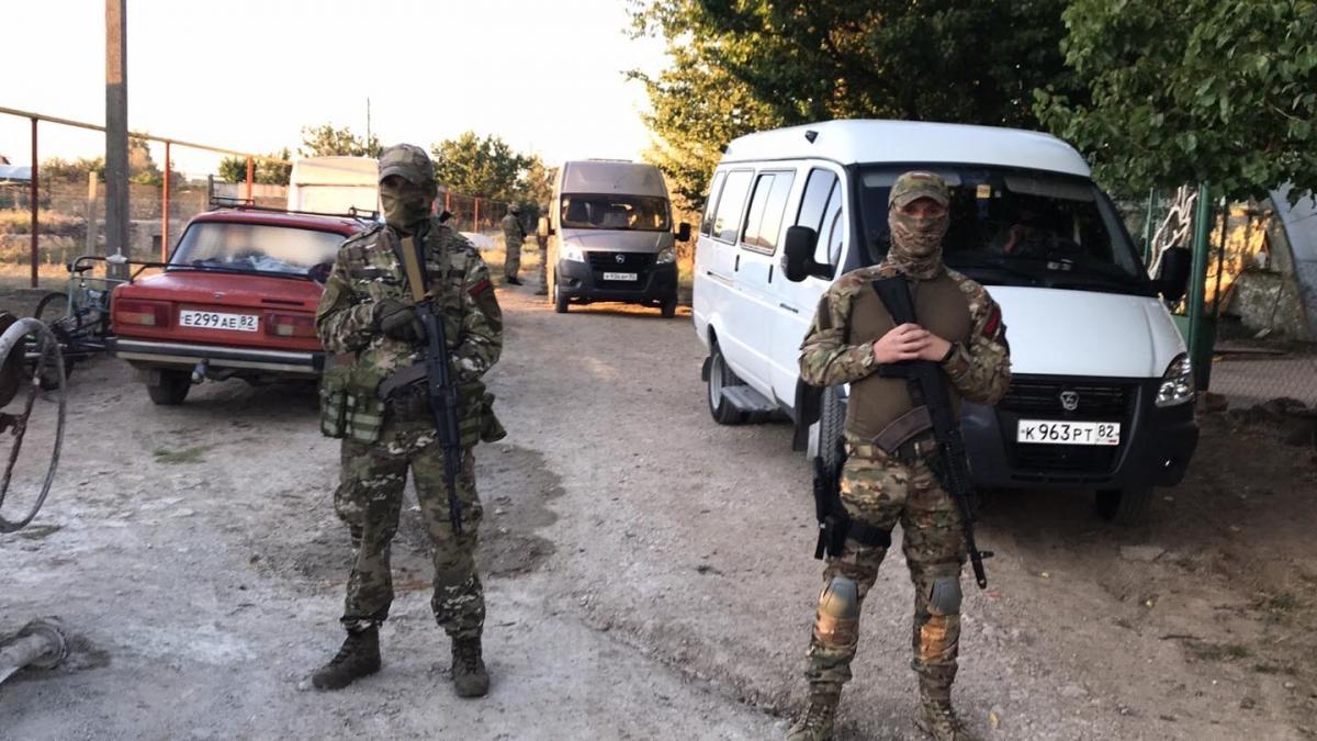 Оккупанты устроили обыски / Крымская солидарность