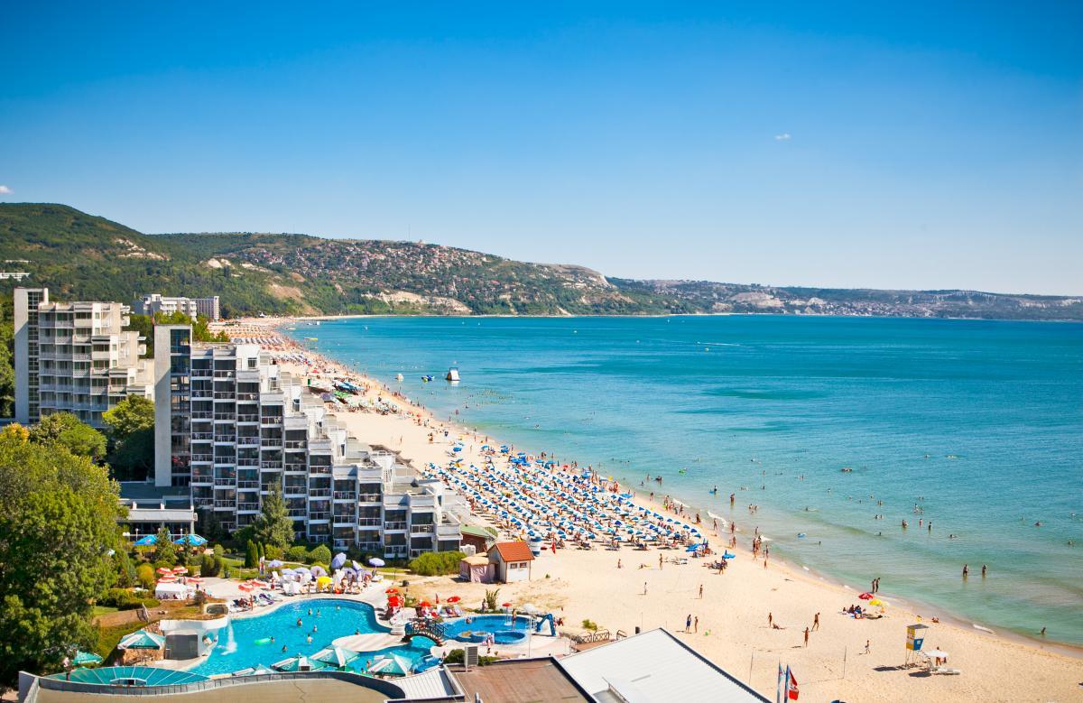 Потрапити на курорти Болгарії можна буде лише з COVID-сертифікатами \ фото ua.depositphotos.com
