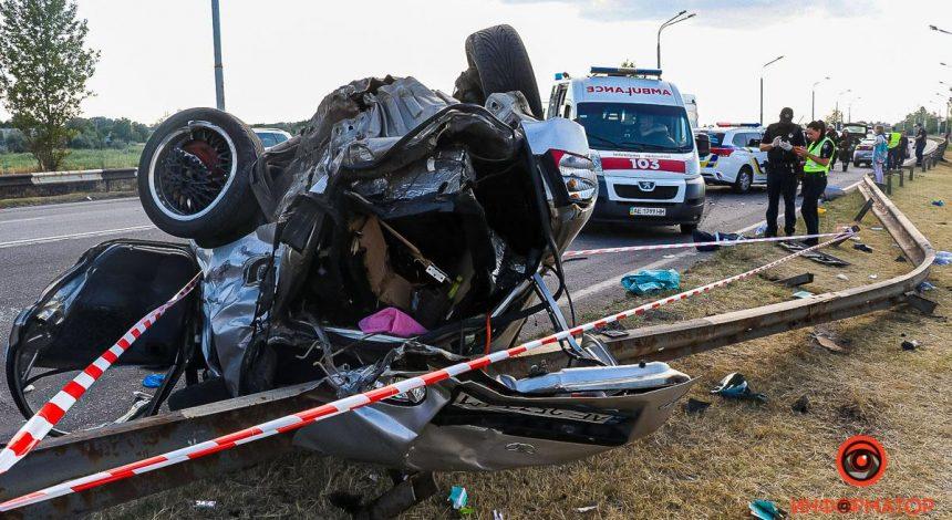 В Днепре в ДТП погиб двухлетний ребенок, еще шесть человек госпитализированы (фото)