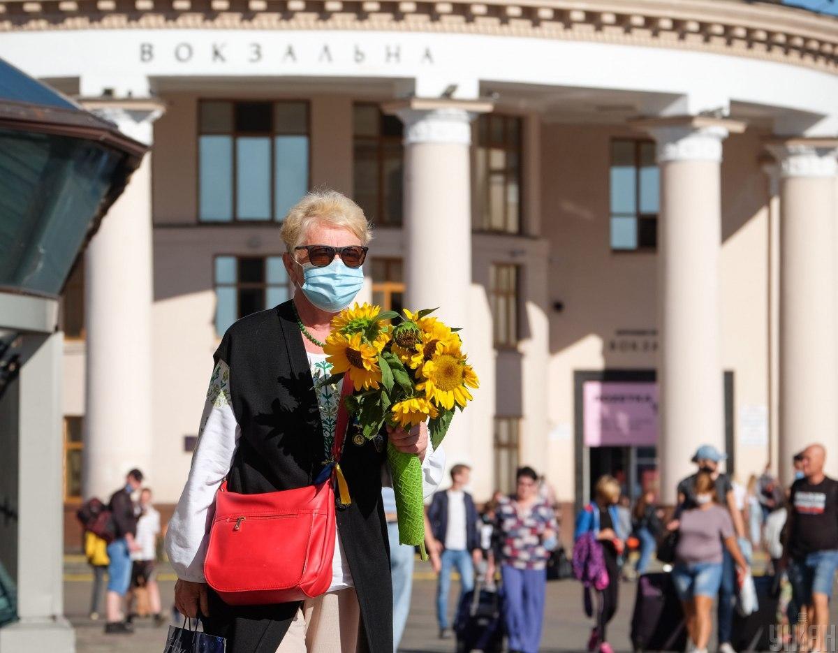 За сутки коронавирус подтвердили у 3 497 жителей Украины/ фото УНИАН