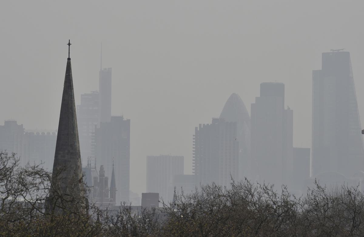 Смог в Лондоне из-за загрязнения воздуха / фото REUTERS