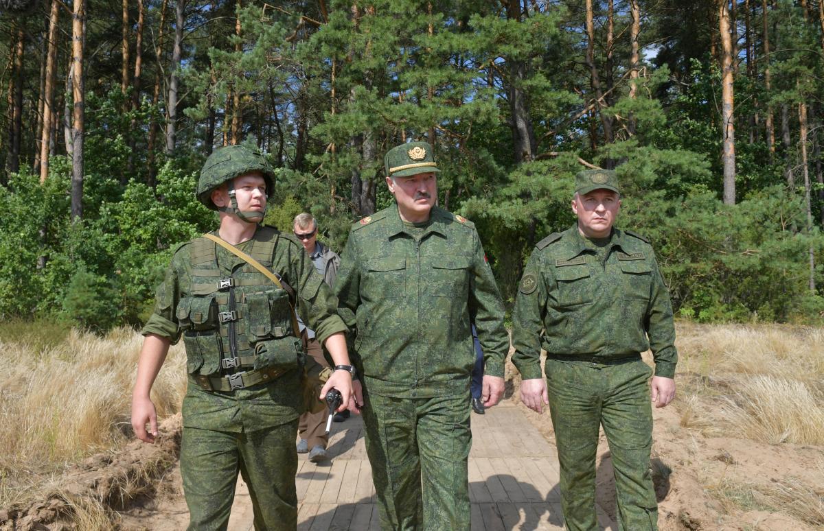 Путин поддерживает позицию Лукашенко по протестам в Беларуси / Фото: REUTERS