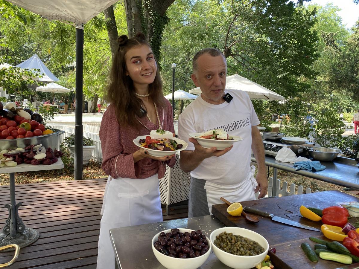 Рецепт греческой запеканки с баклажанами и фаршем - мусаки/ фото Савва Либкин