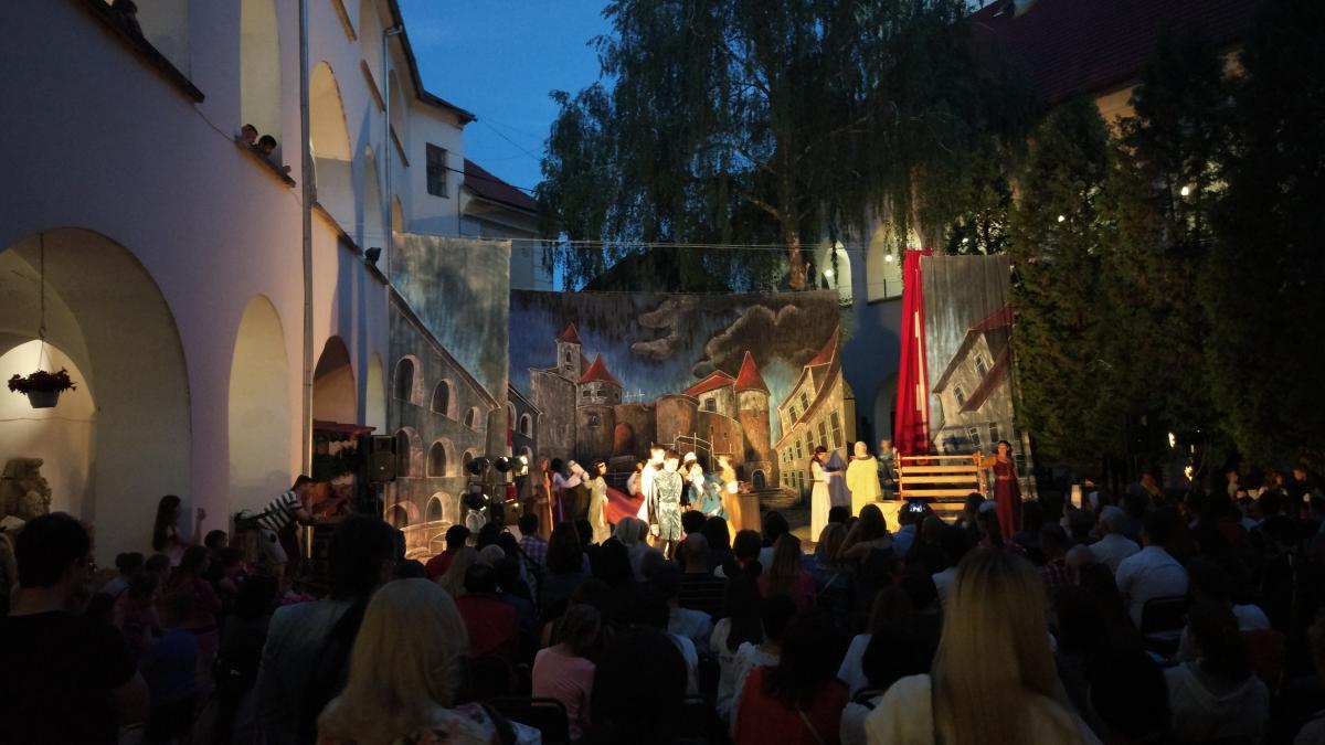 Театралізована вистава в замку Паланок в Мукачеві / фото Максим Адаменко