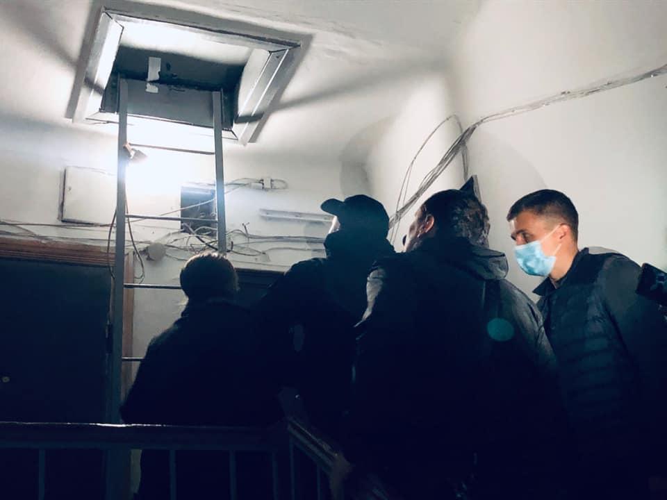 """Прослушка у Ткача - в дом журналиста """"схемы"""" проникли неизвестные: фото / facebook.com/natalie.sedletska"""