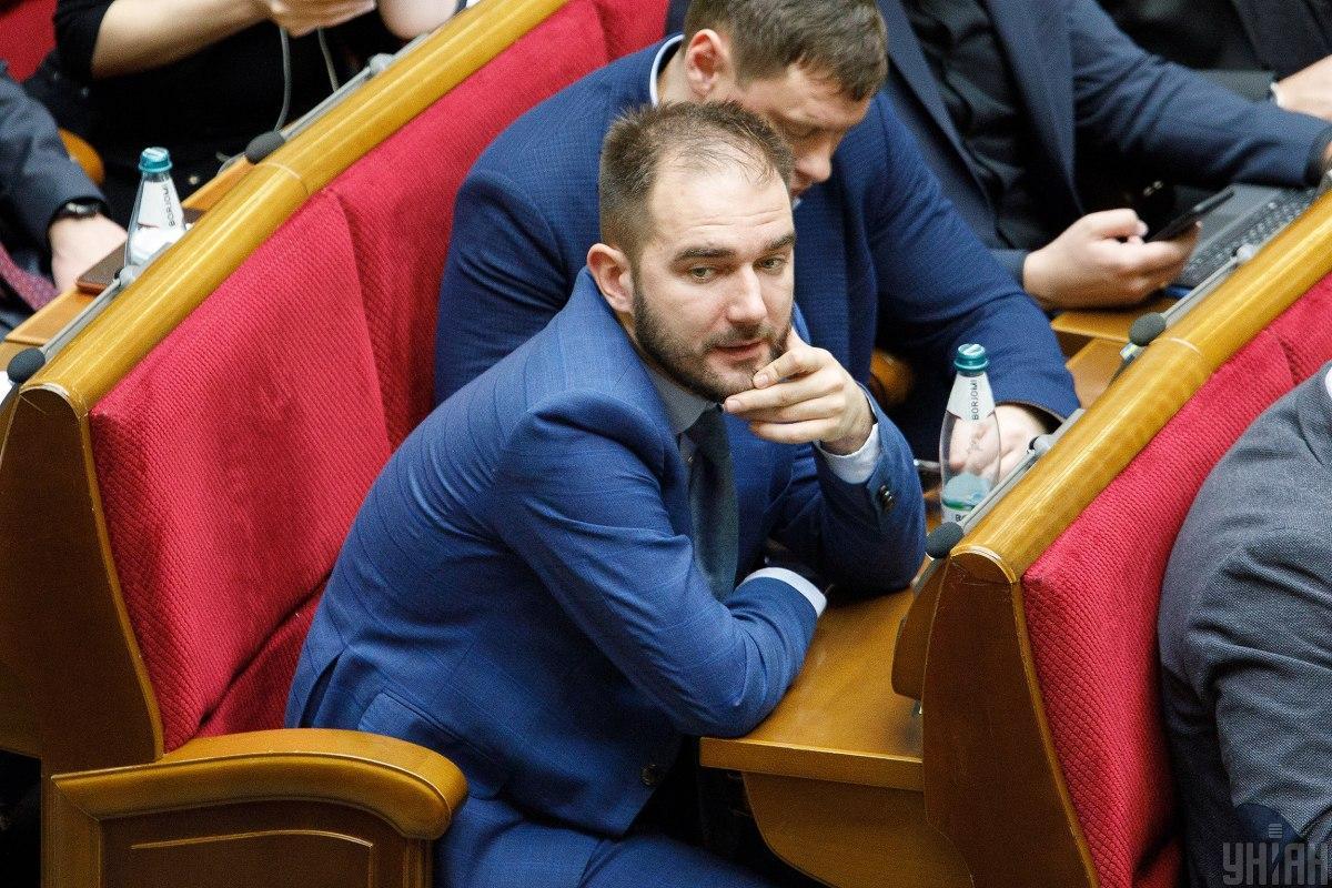 Юрченко сегодня пришел на заседание Рады / фото УНИАН