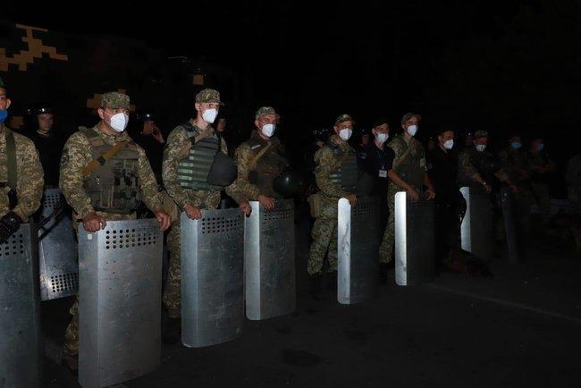 Іноземцям заборонили в'їзд до України через небезпеку поширення коронавірусу/ Фото ДПСУ