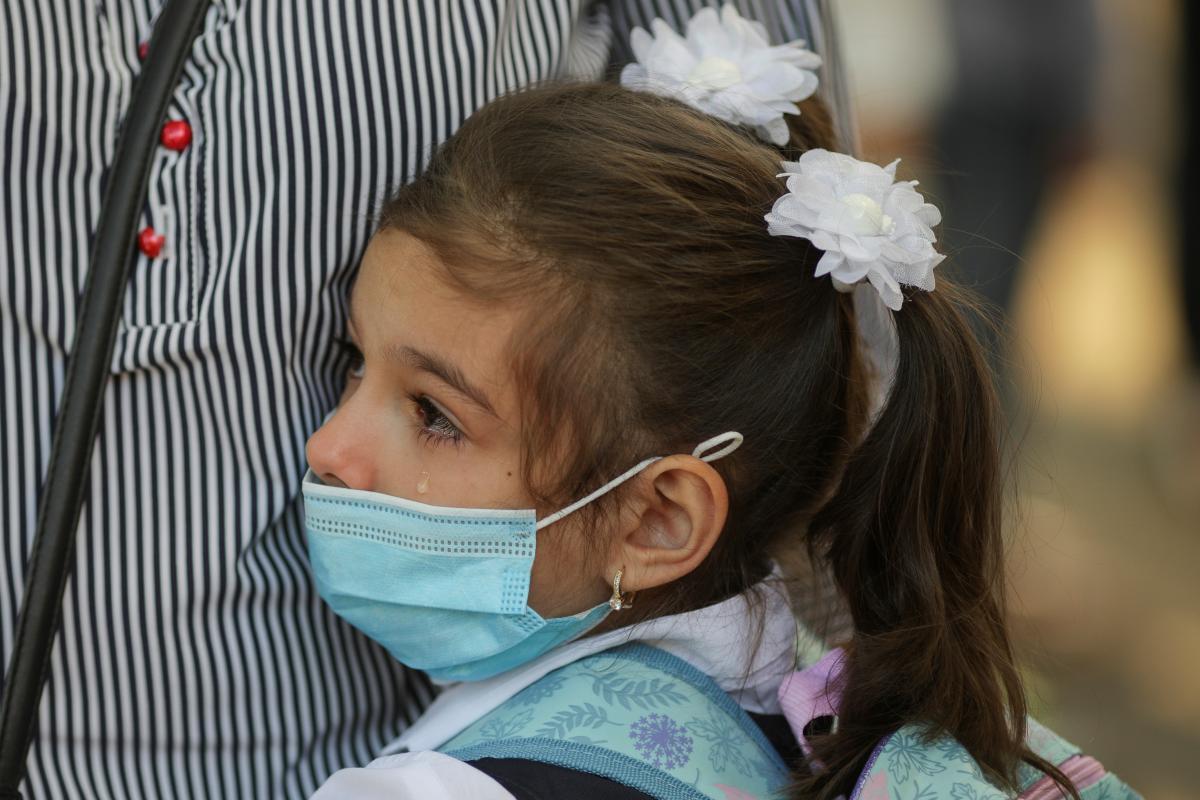 У большинства детей появляются симтомы в случае заражения коронавирусом / REUTERS
