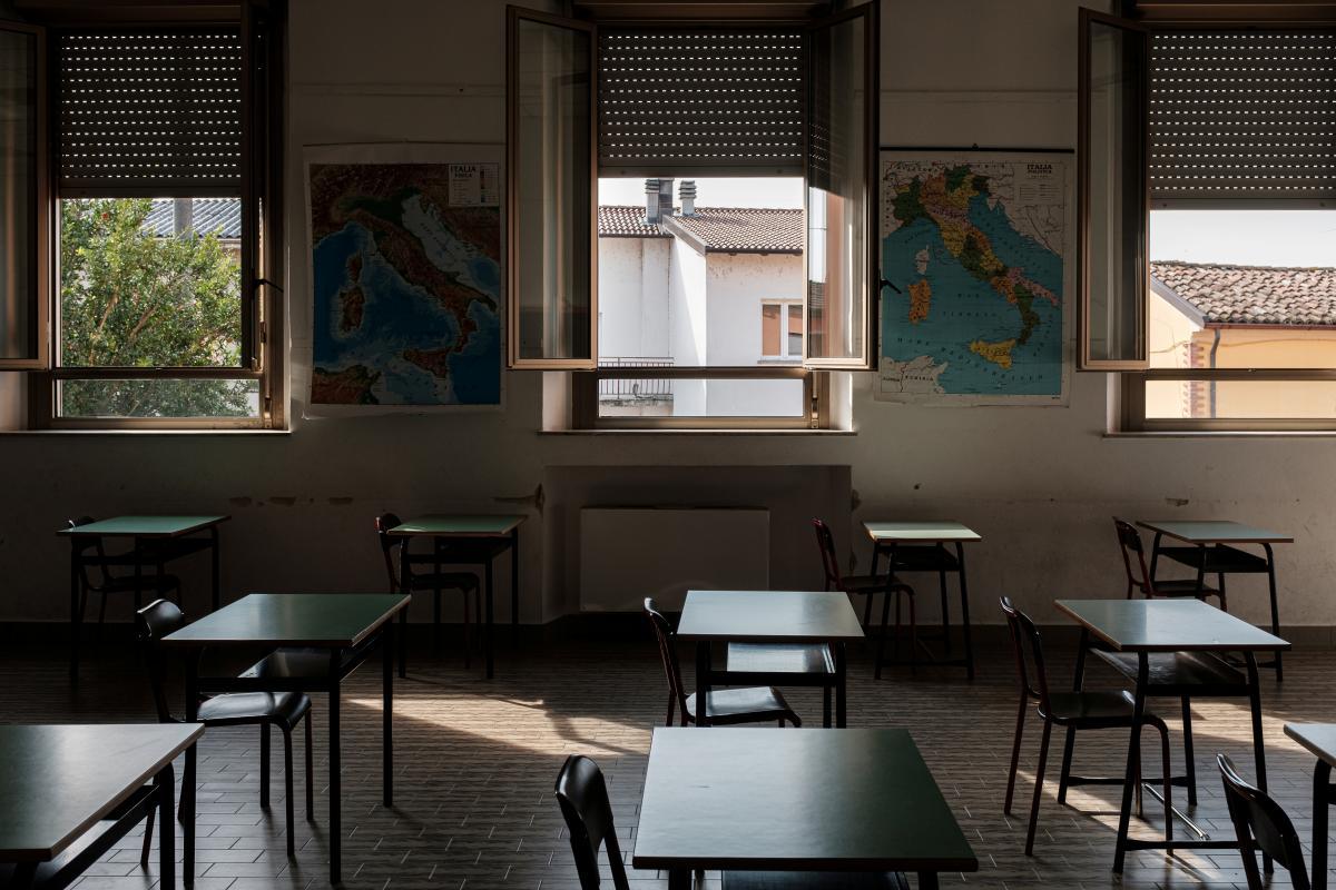 Школярів міст Дніпропетровщини відправляють на тривалі канікули / REUTERS