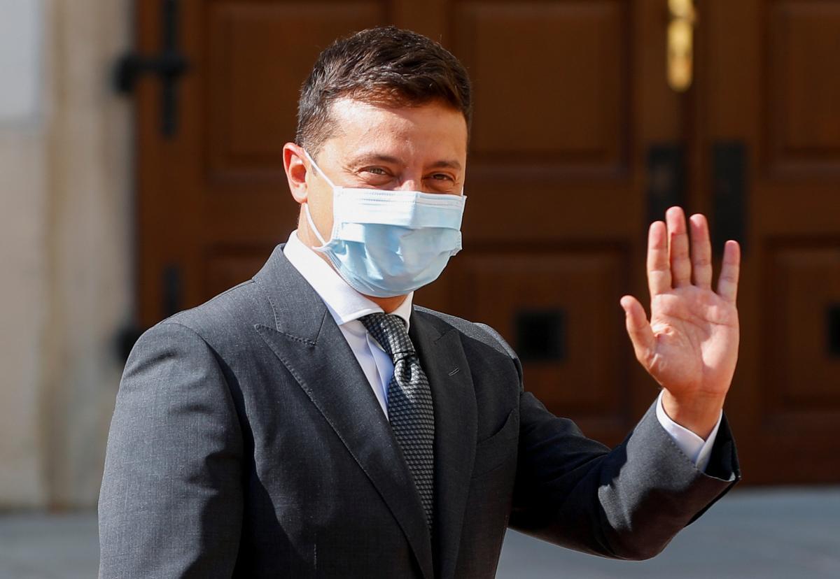 Зеленський вакцинувався від коронавірусу / фото REUTERS