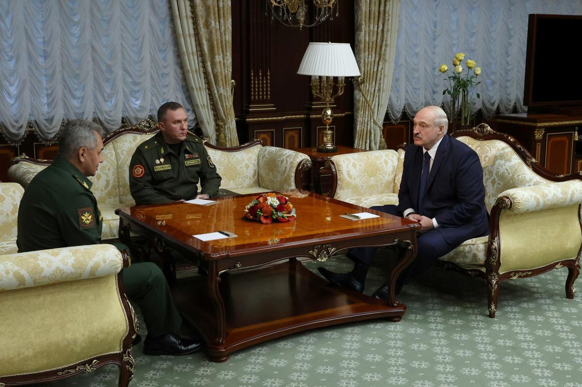 Лукашенко зустрівся з міністром оборони РФ Сергієм Шойгу / фото REUTERS
