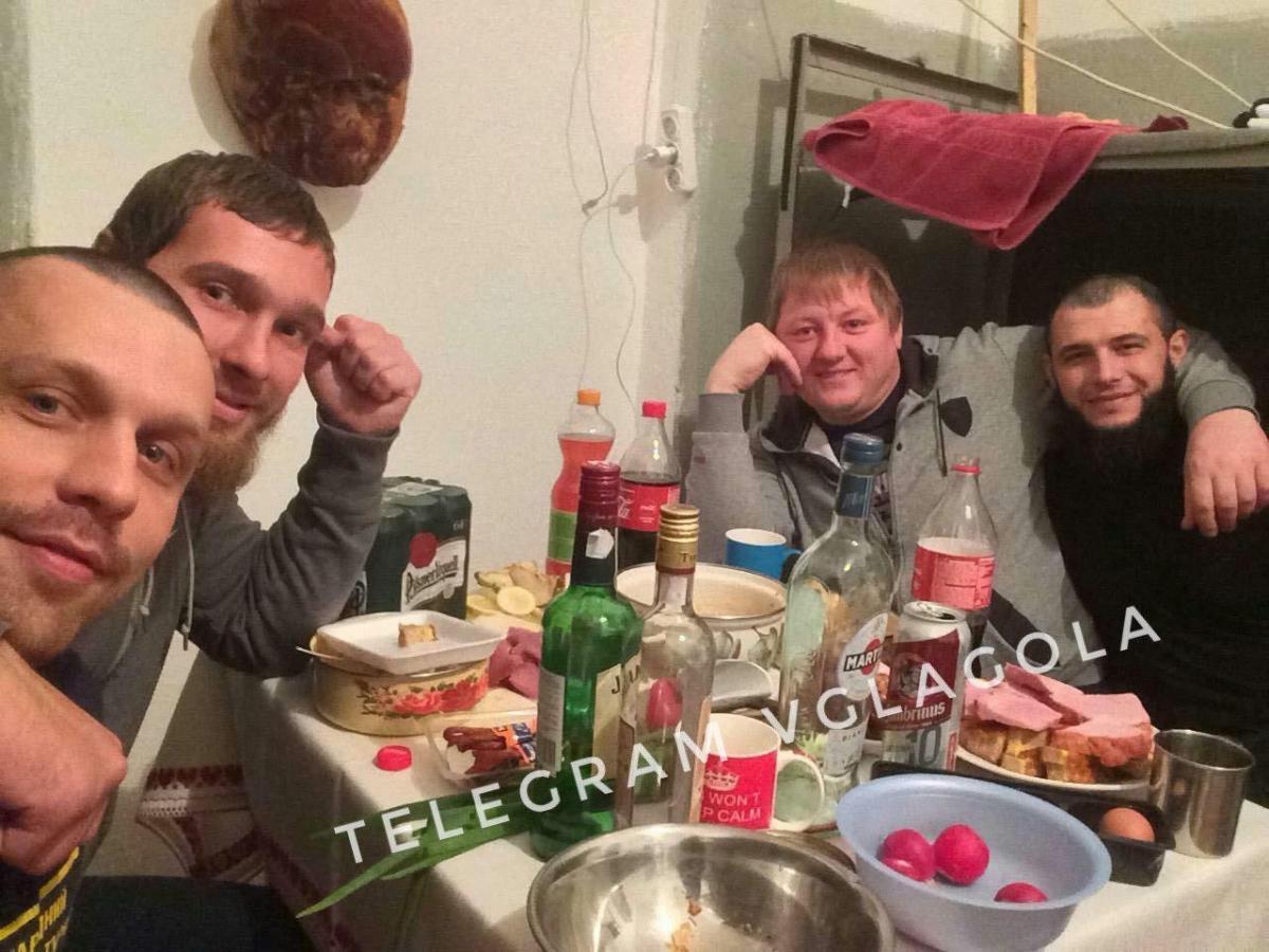Ранее в сети появились фото застолья задержанных в указанном СИЗО / фото t.me/VGlagola