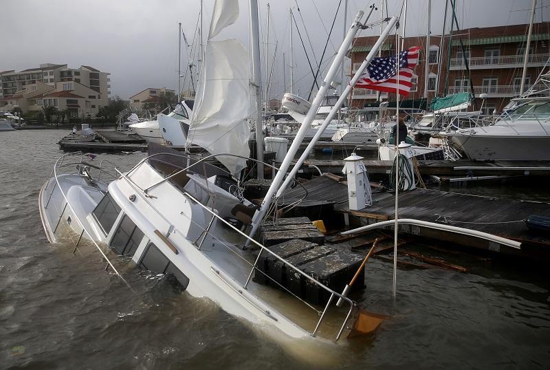 В зоне урагана оказались четыре штата\ фото REUTERS
