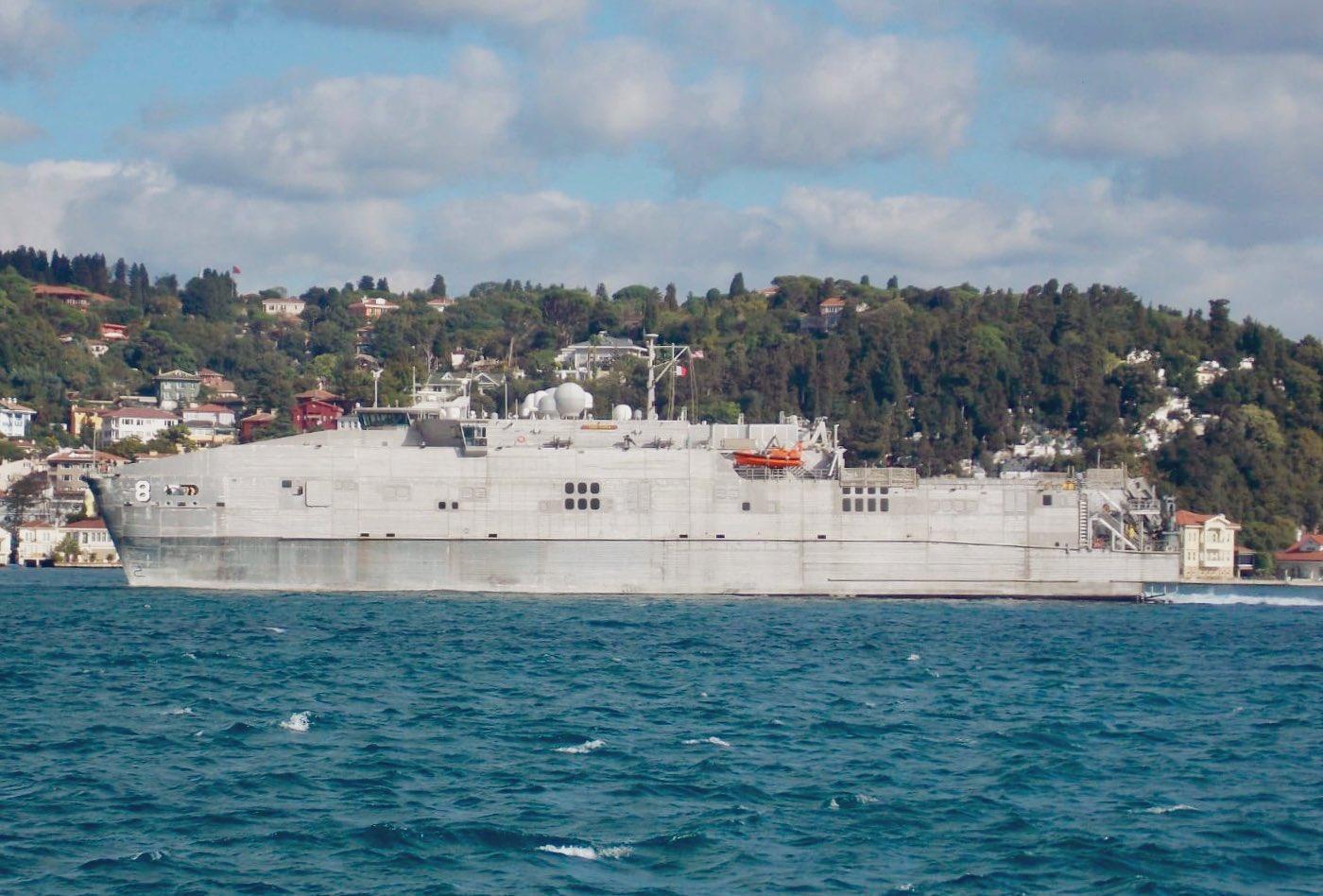 Высокоскоростное десантное судно флота США USNS Yuma / фото twitter.com/yorukisik