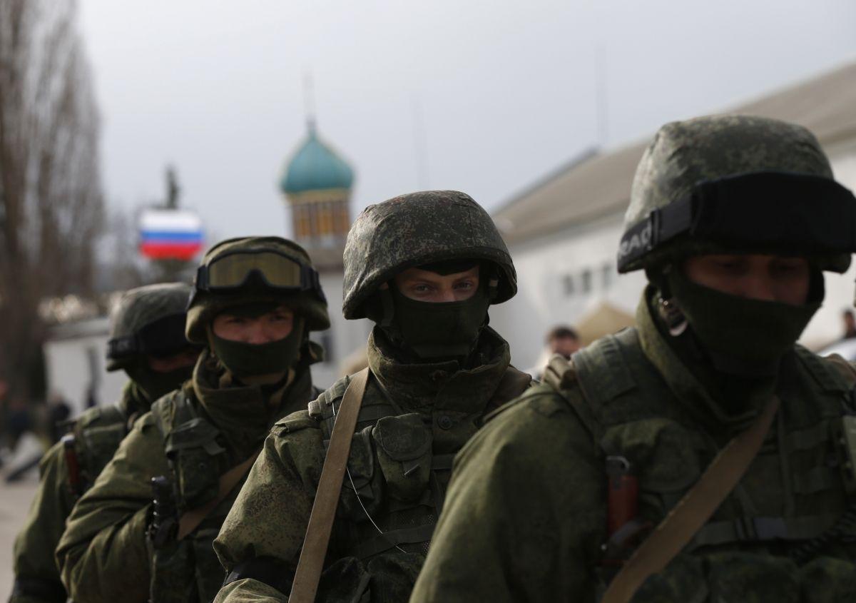 36% опрошенных оценивают вероятность полномасштабного военного вторжения России / фото REUTERS